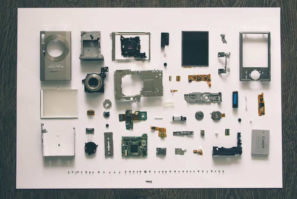 Camera components that need work instructions for assembly